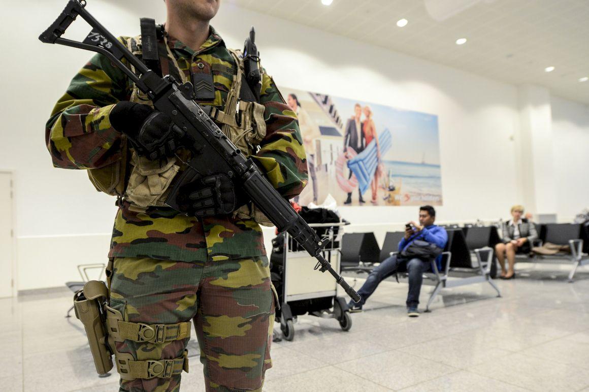 Resultado de imagem para ficheiro dados passageiros voo europa terrorismo pnr