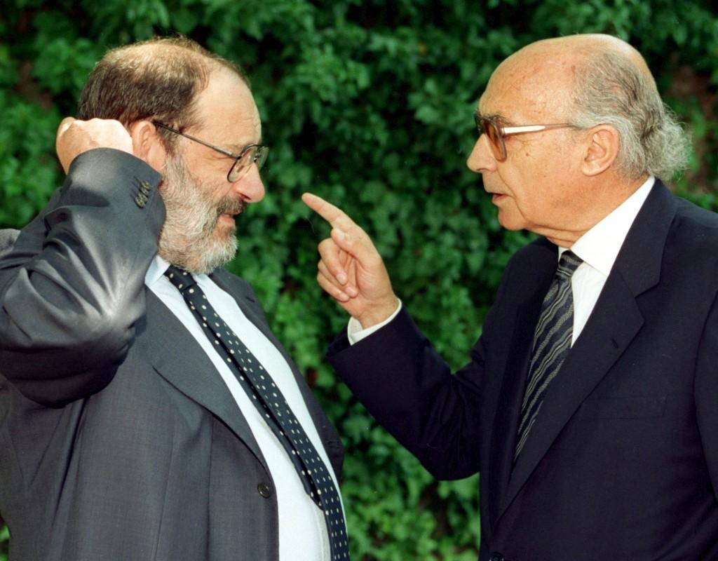 Umberto Eco num encontro com José Saramago em Madrid em 1998