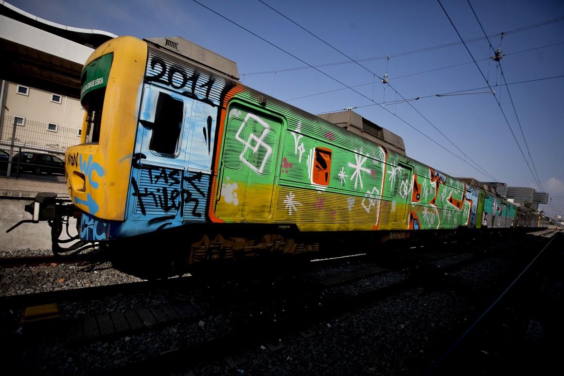 Autarcas criticam entrega da fiscalização da limpeza de graffiti a um privado