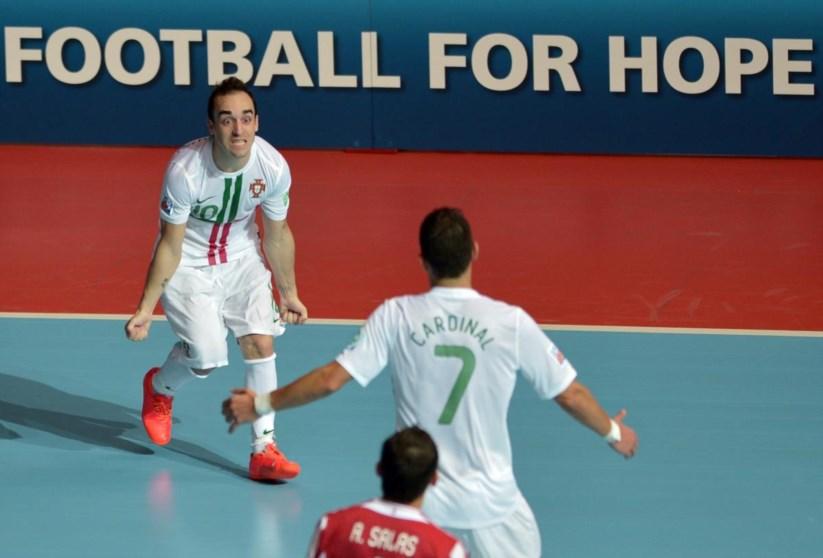 1e112674c6 Ricardinho volta a ser eleito o melhor jogador de futsal do mundo ...