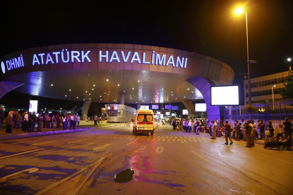 Resultado de imagem para Aeroporto de Istambul