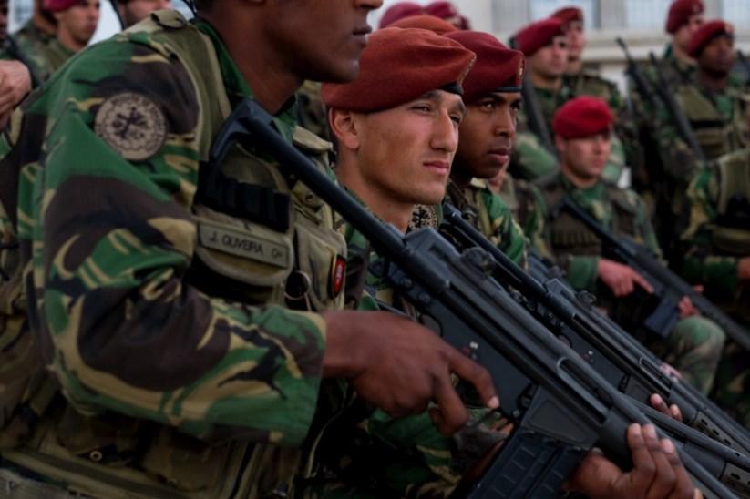 Ministro da Defesa manda suspender curso de Comandos  edf418c6a8f