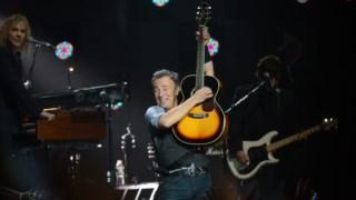 Springsteen decidiu escrever <i>Born to Run</i> após a actuação no Super Bowl de 2009