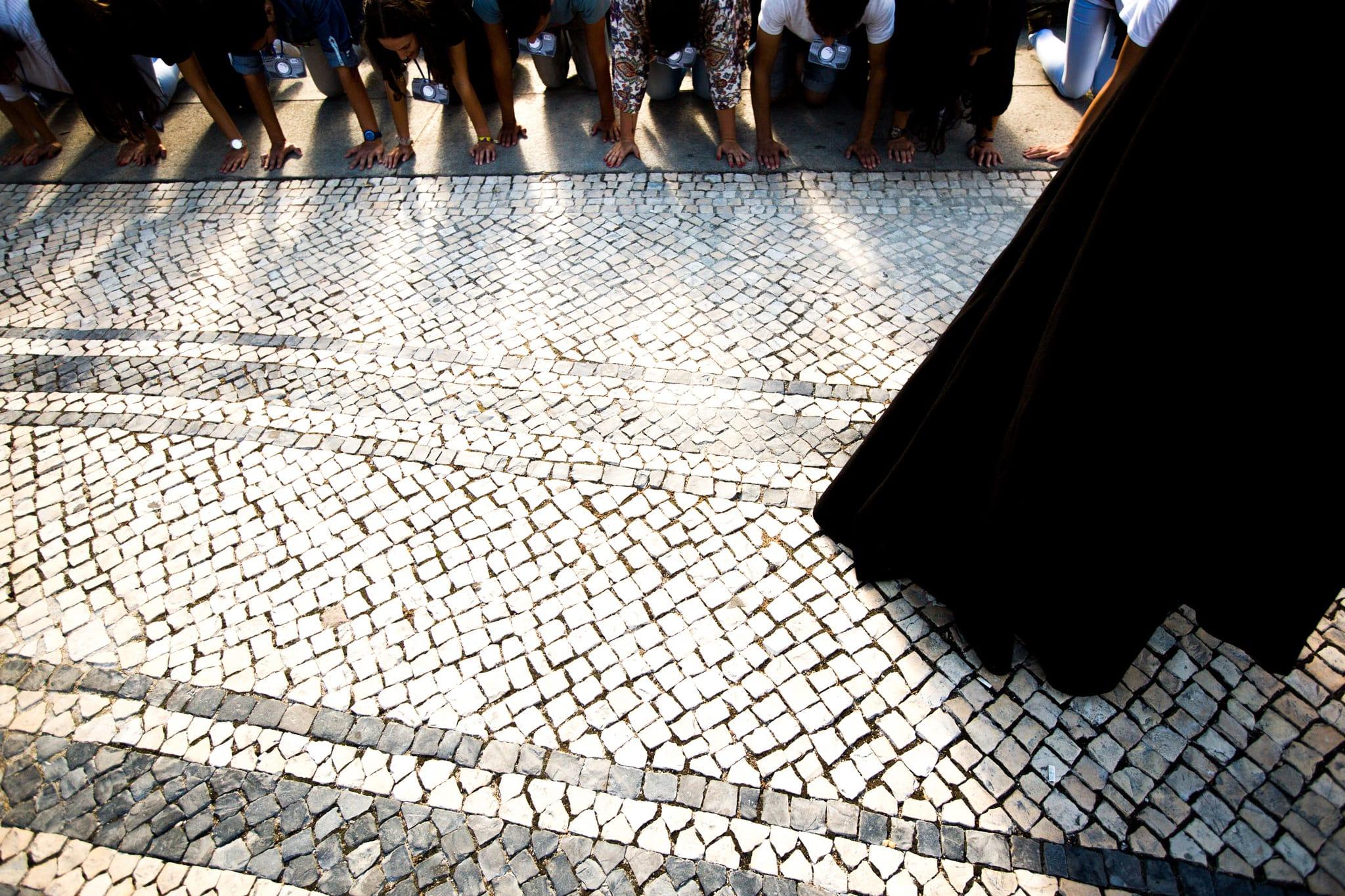 """PÚBLICO - Em Peniche, os """"caloiros"""" vão limpar a praia"""