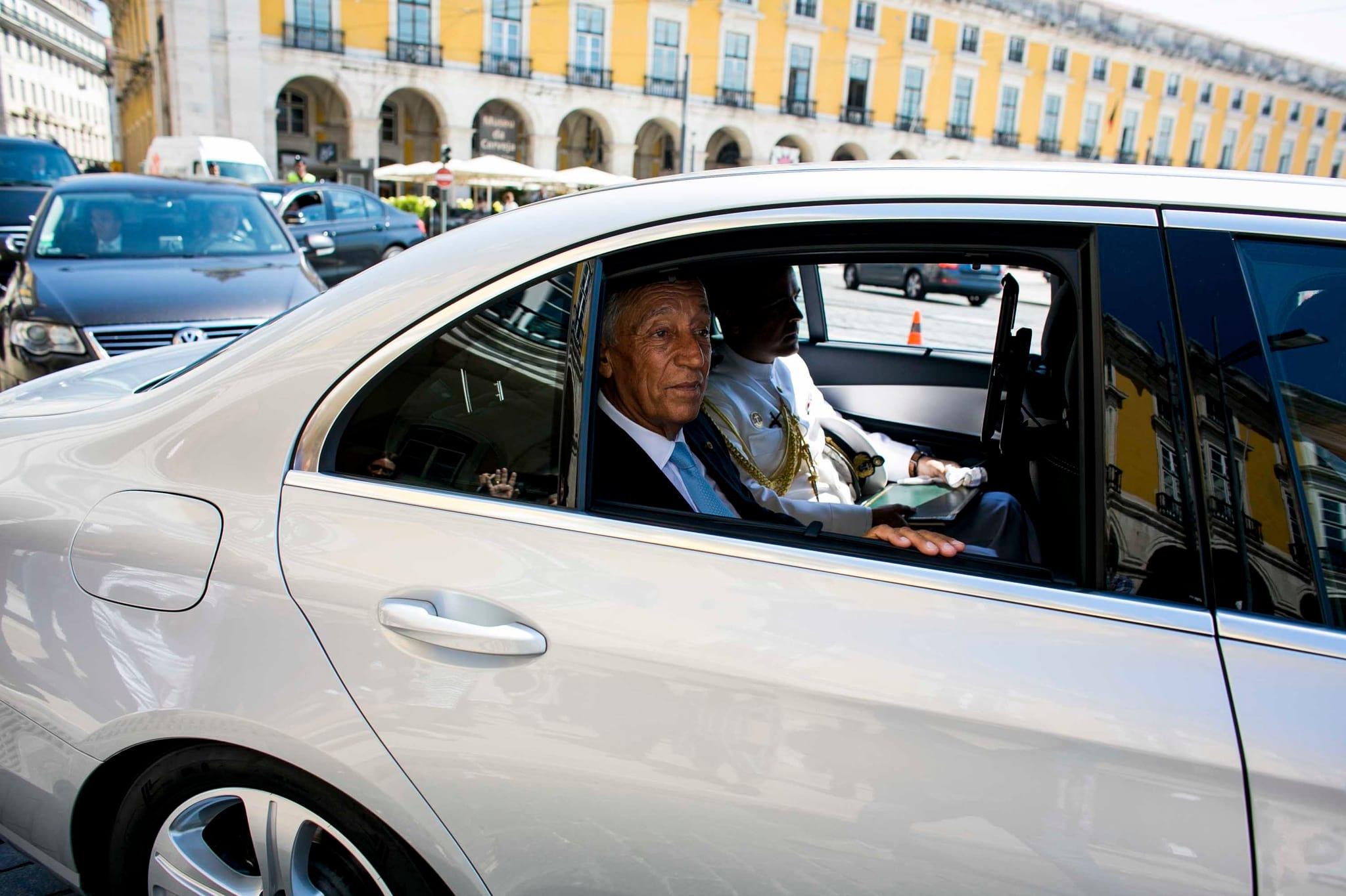 """PÚBLICO - Presidente da República defende """"reflexão revisora"""" da lei sobre fundações"""