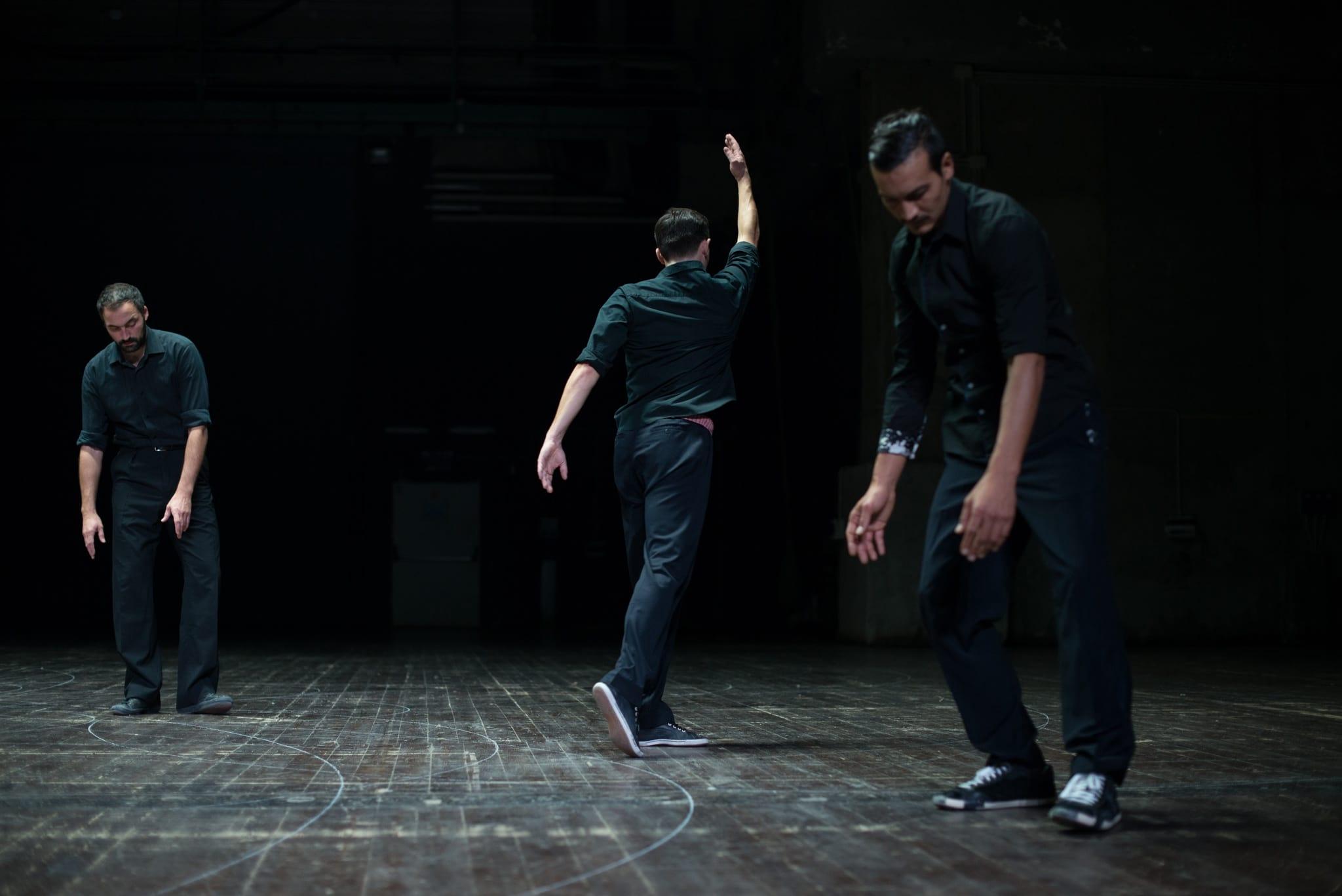 PÚBLICO - Pensar primeiro e dançar depois