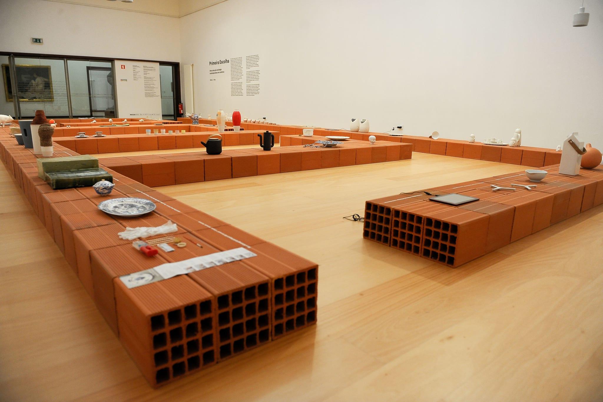 PÚBLICO - Tudo em cerâmica: nas Caldas nasceu uma bienal e uma nova colecção de design