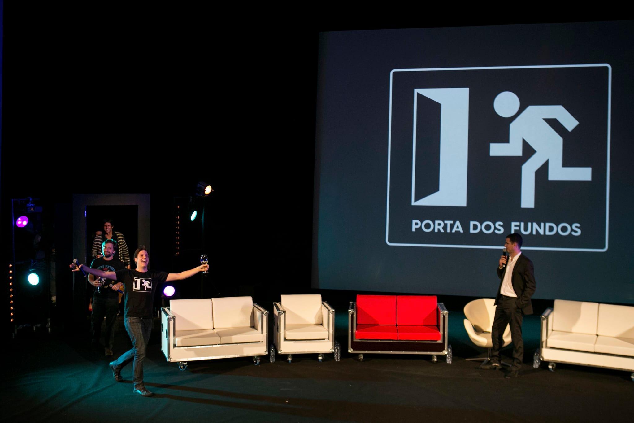 PÚBLICO - Porta dos Fundos voltam a Portugal em Dezembro para improvisar