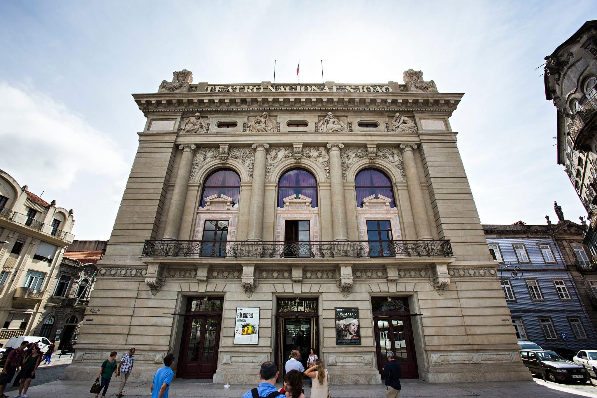PÚBLICO - Uma visita da Europa ao teatro português