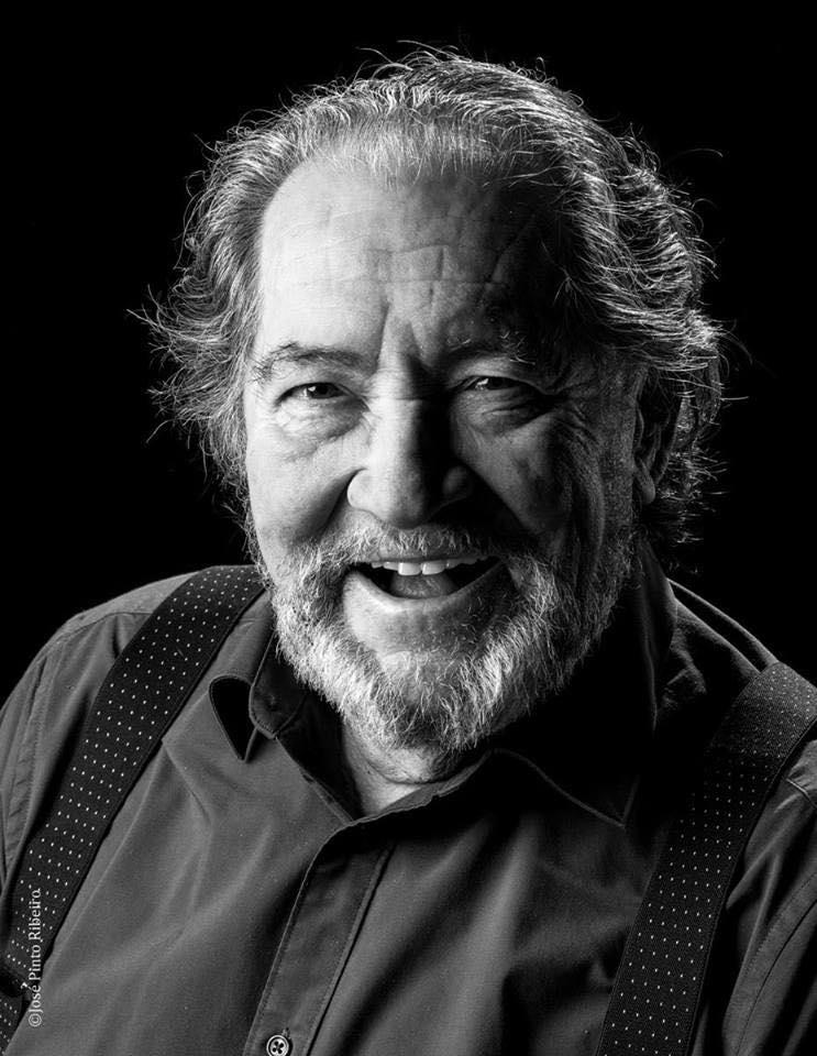 PÚBLICO - Actor Carlos Santos morreu aos 79 anos