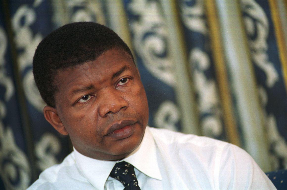 PÚBLICO - O próximo líder de Angola é discreto e não tem laços óbvios à corrupção