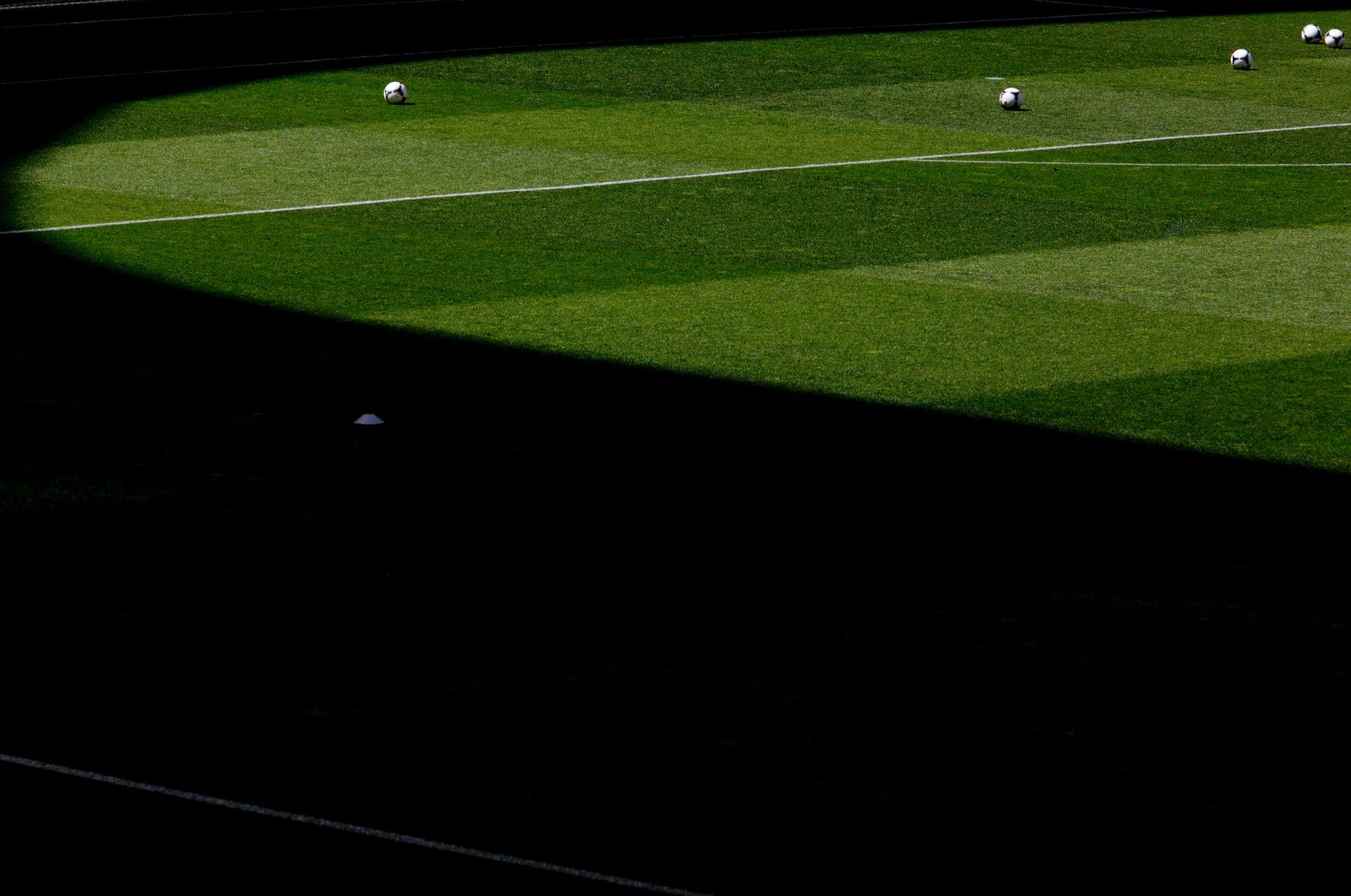 PÚBLICO - Jovem de 16 anos morre durante treino de futebol