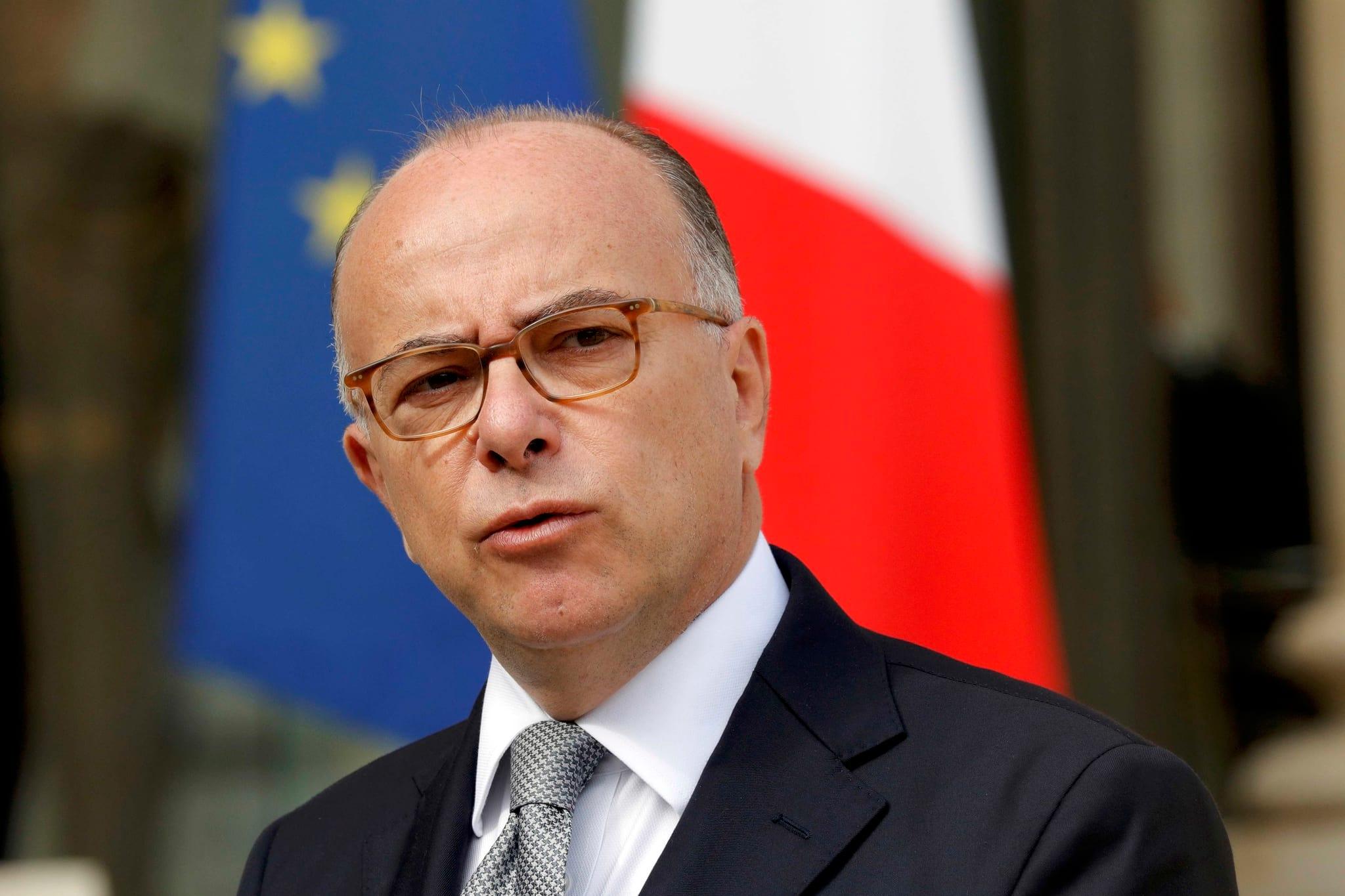 PÚBLICO - Hollande escolhe um gestor de crises para a recta final do Governo