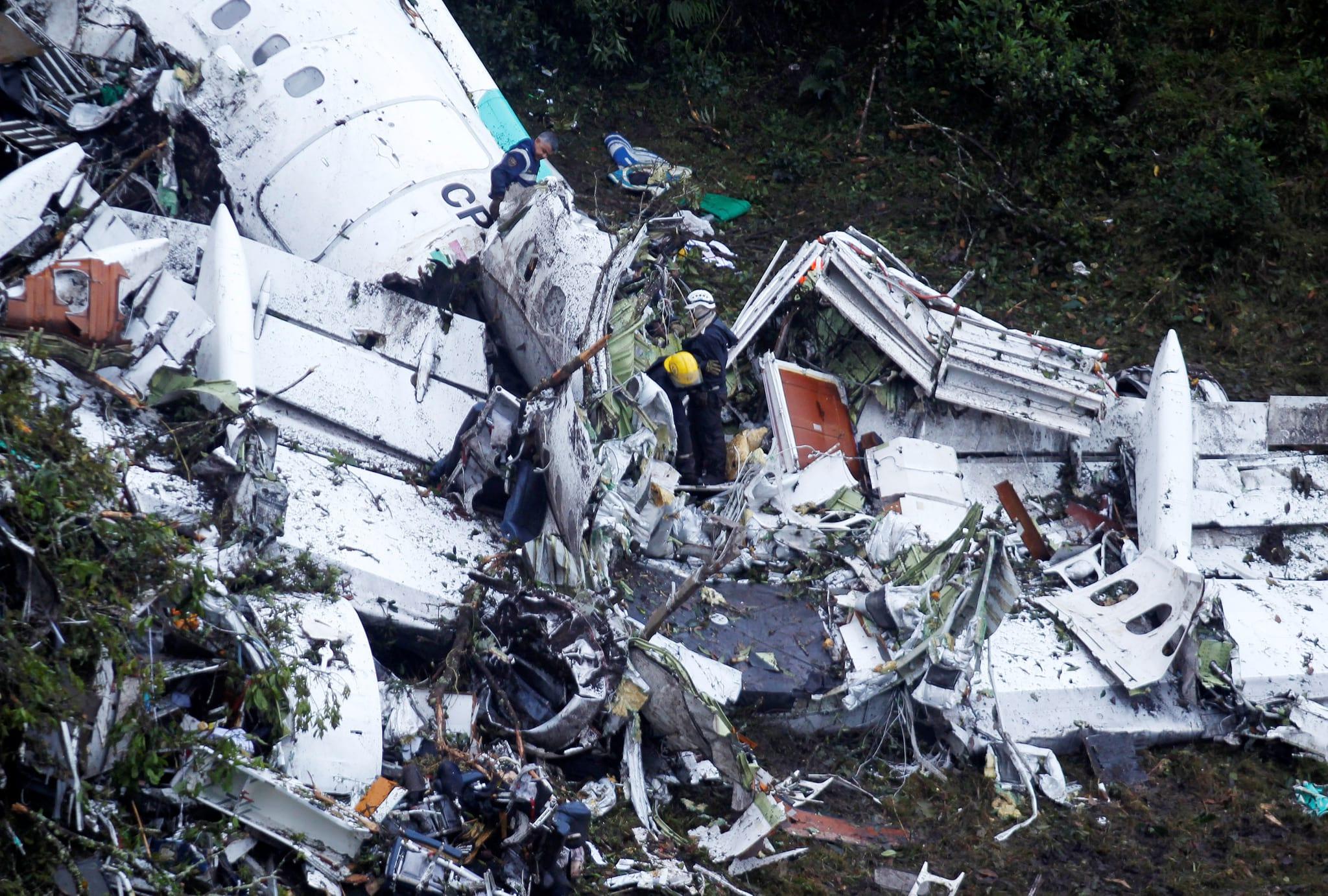 PÚBLICO - Controladora que terá detectado problemas no voo da Chapecoense fugiu para o Brasil