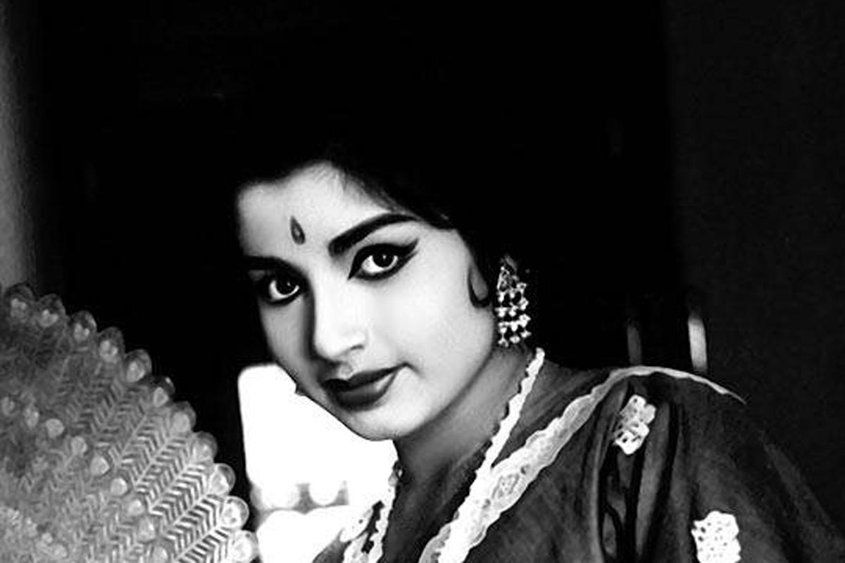 """PÚBLICO - Morreu a """"mãe"""" do Tamil Nadu"""