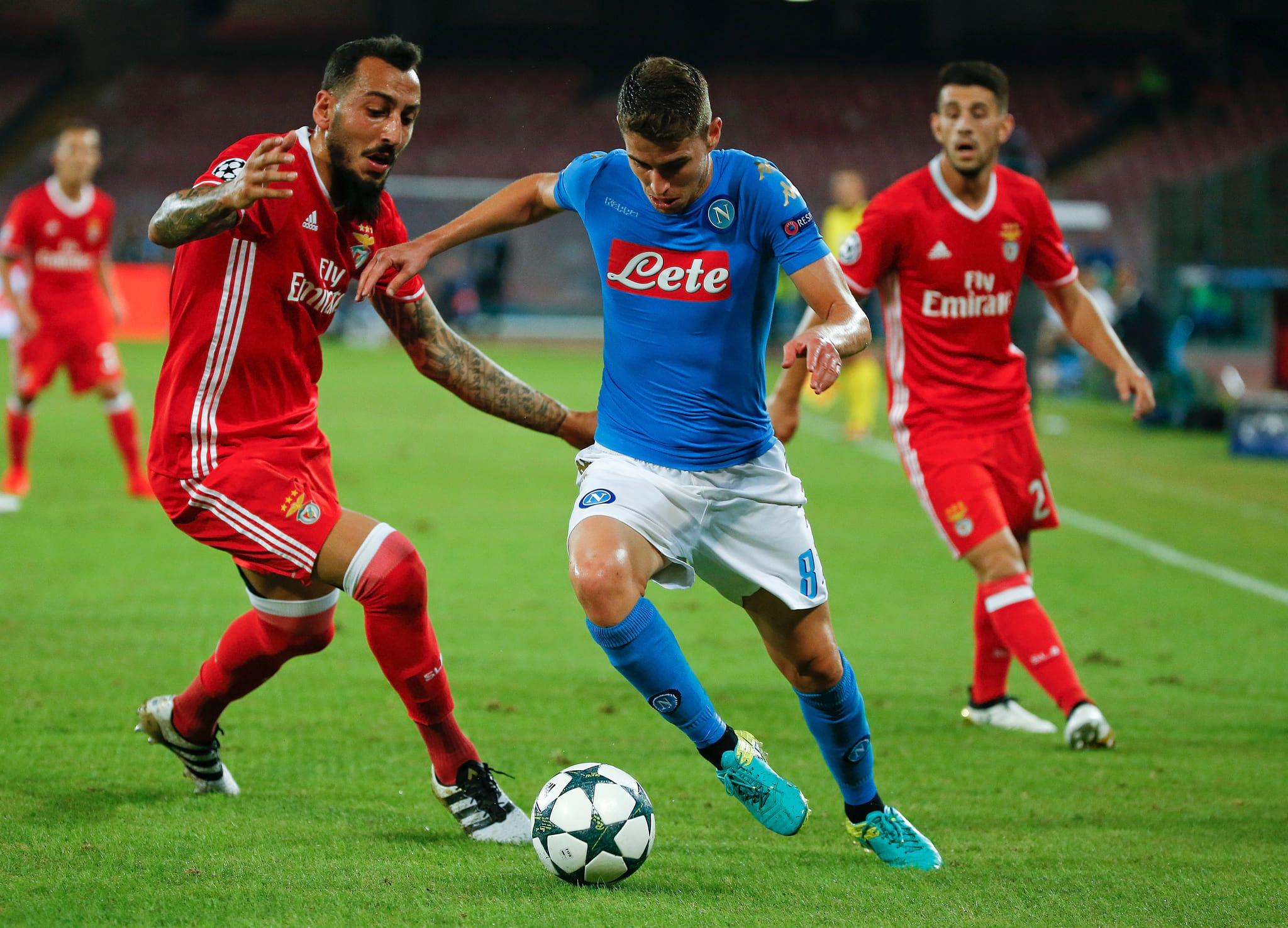 PÚBLICO - Benfica-Nápoles: confrontos entre adeptos antes do jogo