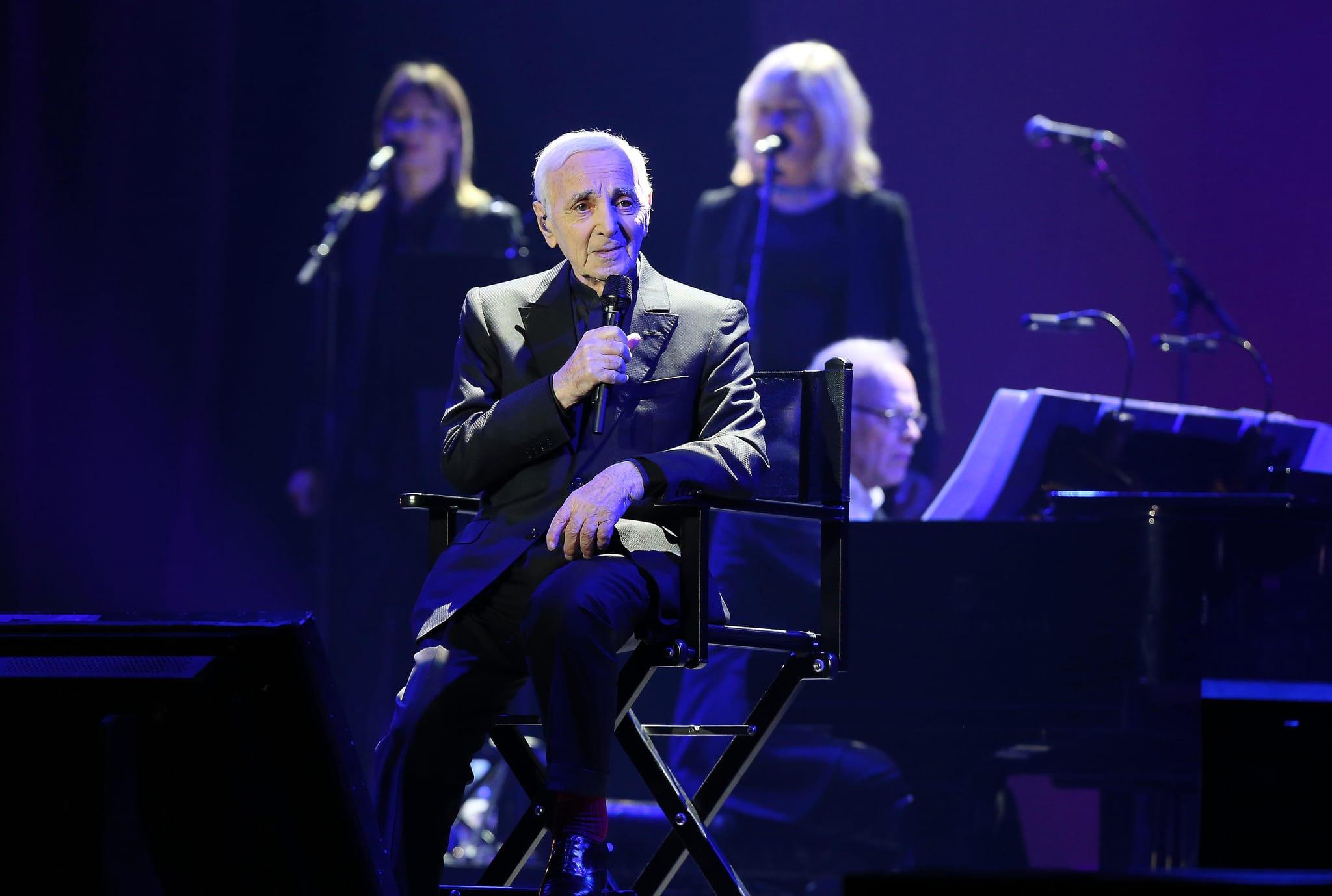 """PÚBLICO - Aznavour, a segunda visita de """"um trabalhador incansável da canção"""""""