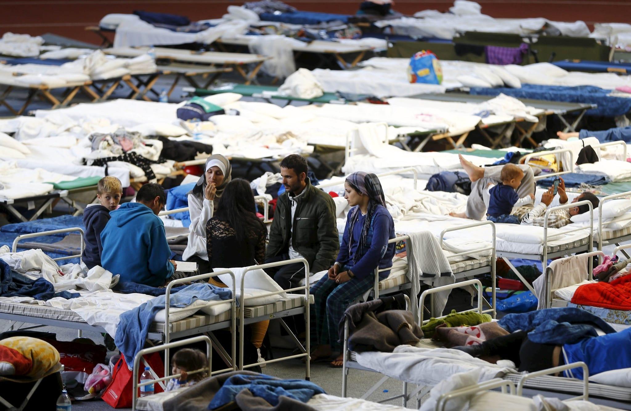 PÚBLICO - Uma sociedade aberta e sem modelo integra bem os imigrantes