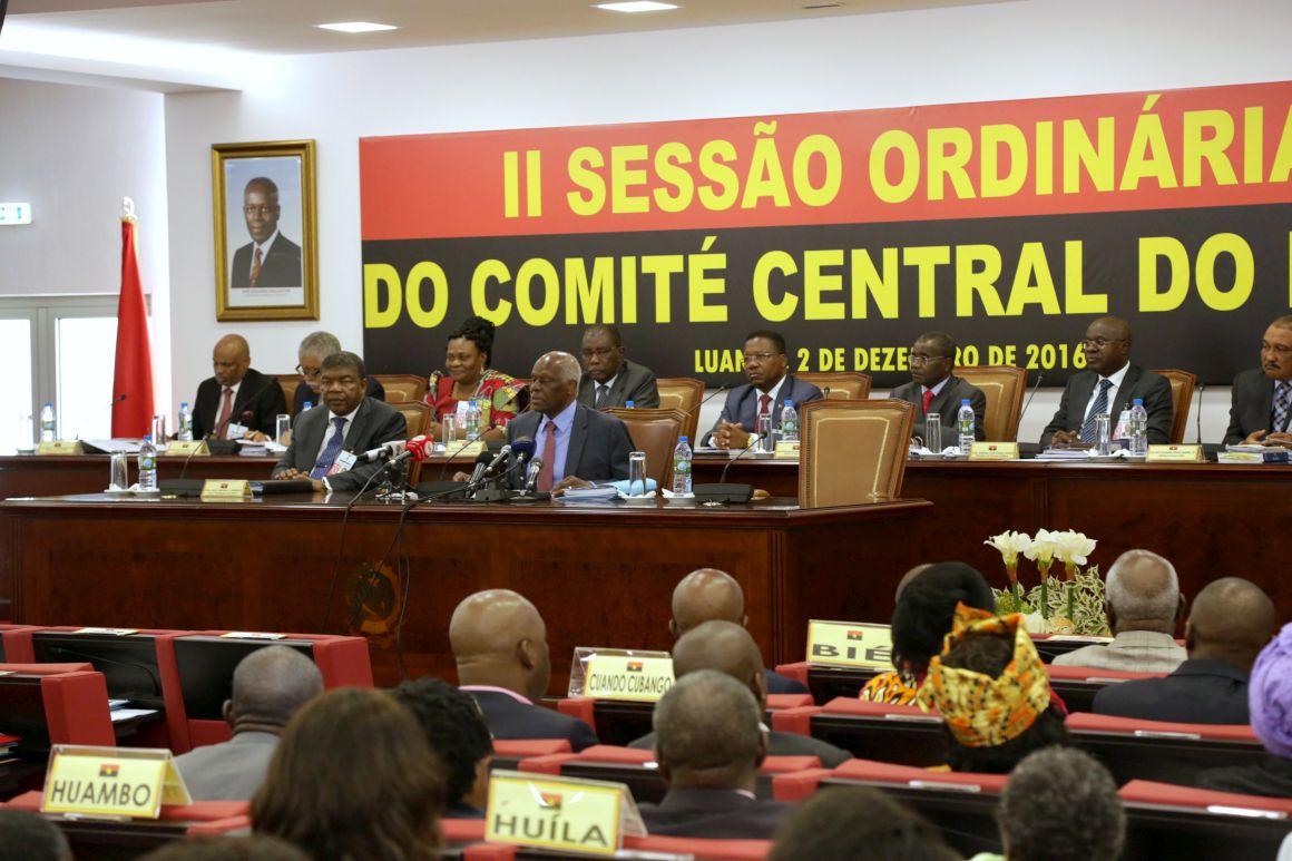 PÚBLICO - MPLA lança campanha eleitoral sem José Eduardo dos Santos