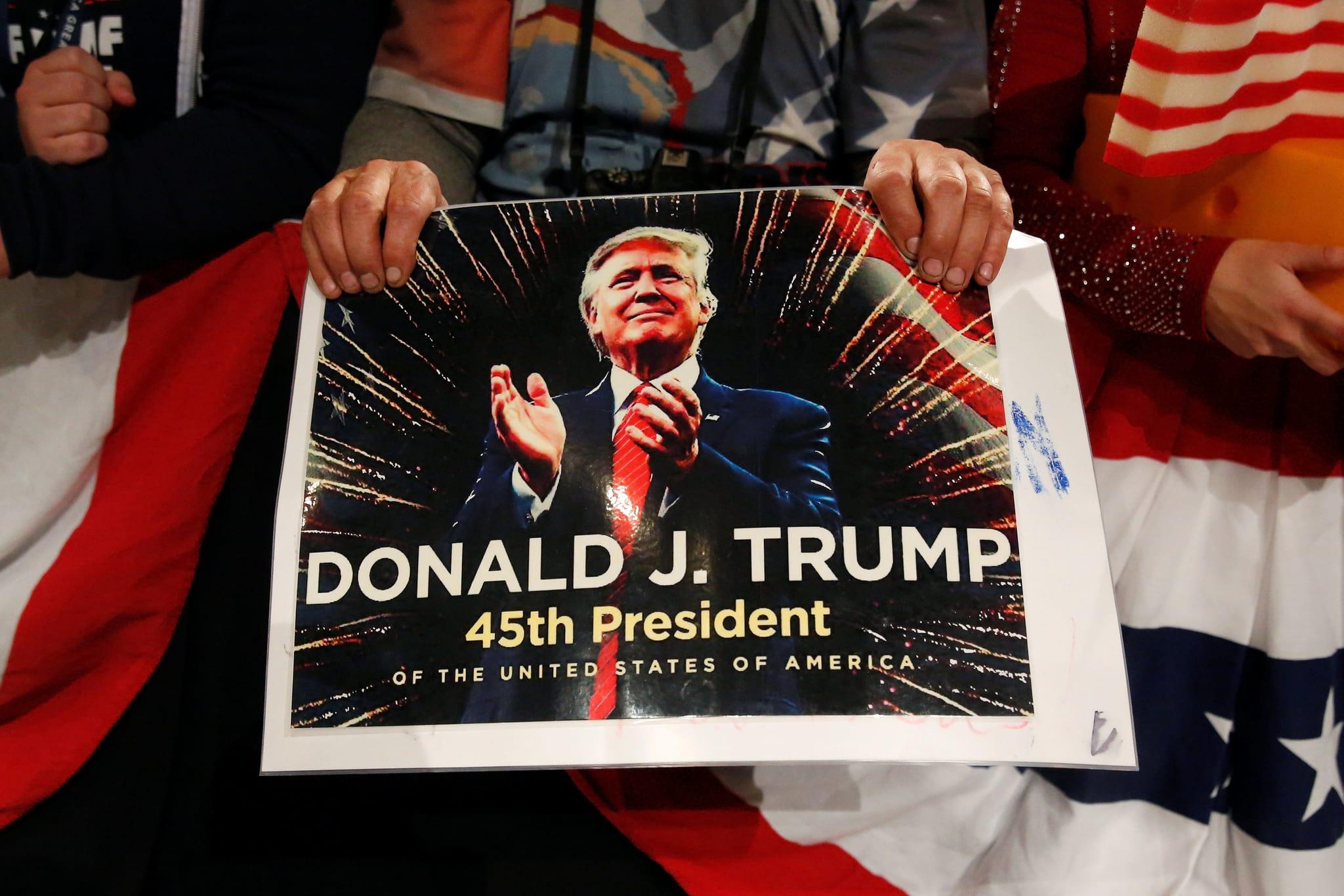 PÚBLICO - Congresso dos EUA quer inquérito sobre mão da Rússia na eleição de Trump