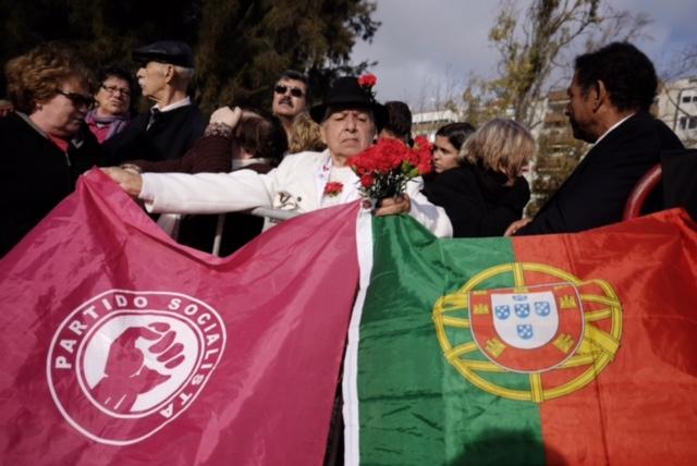 O povo voltou a estar com Soares no dia da despedida
