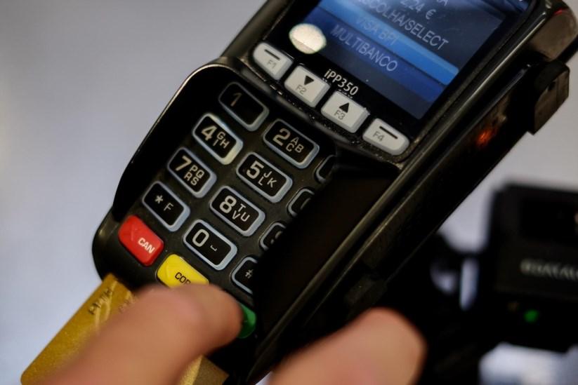 Imposto sobre pagamentos com cartões: Hipermercados avisam que consumidores vão pagar a conta