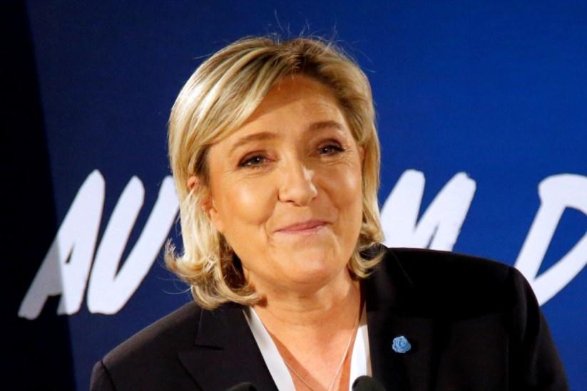 Marine Le Pen, líder da Frente Nacional, tem feito visitas frequentes a Moscovo