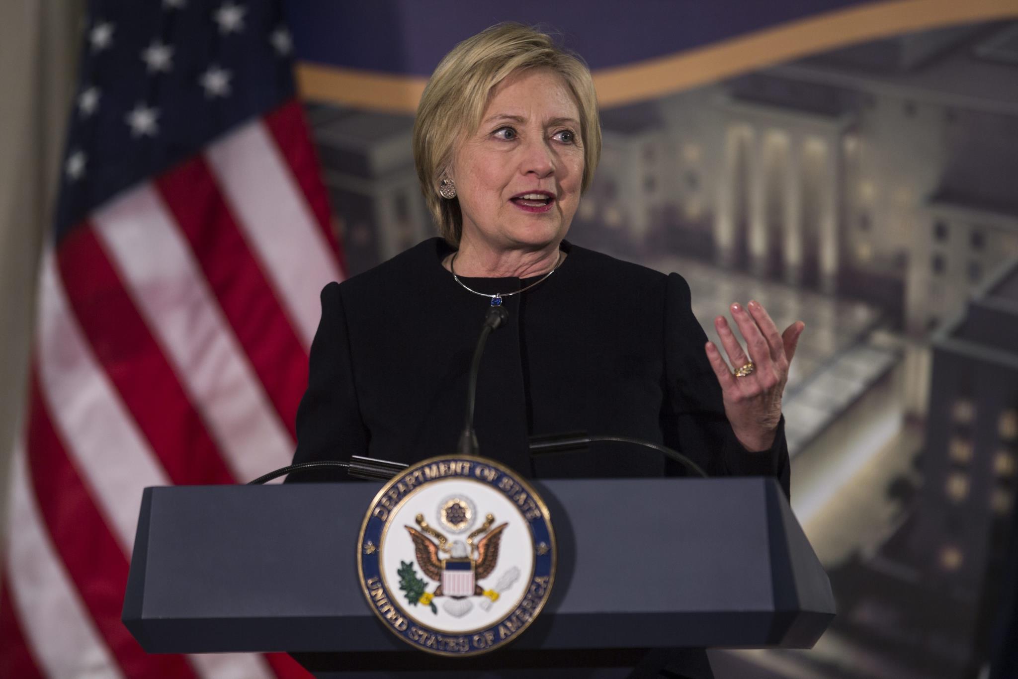 Justiça americana abre inquérito interno ao FBI sobre caso Clinton