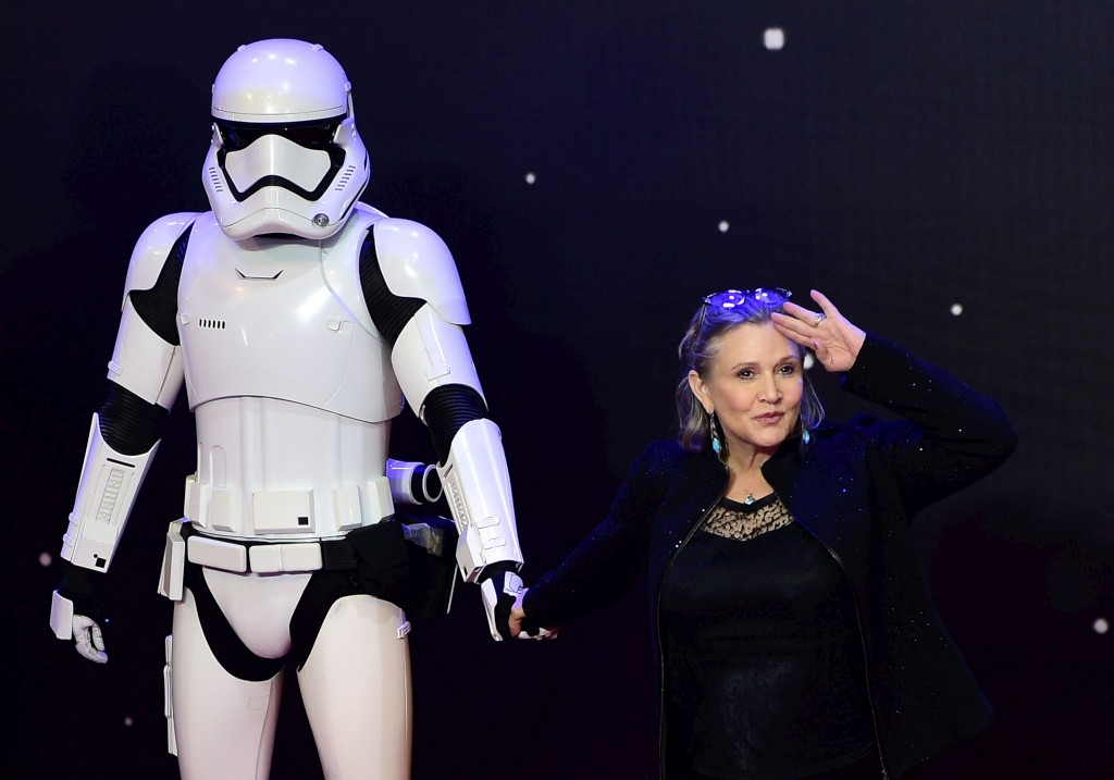 PÚBLICO - A Lucasfilm não planeia prolongar presença de Carrie Fisher na <i>Guerra nas Estrelas</i>