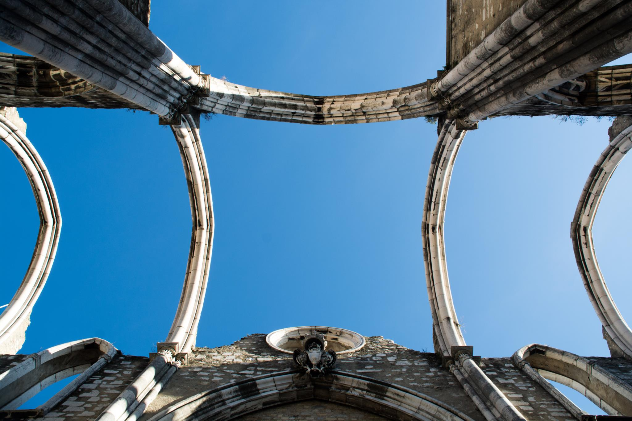 PÚBLICO - Este livro é uma visita ao Convento do Carmo que já não existe