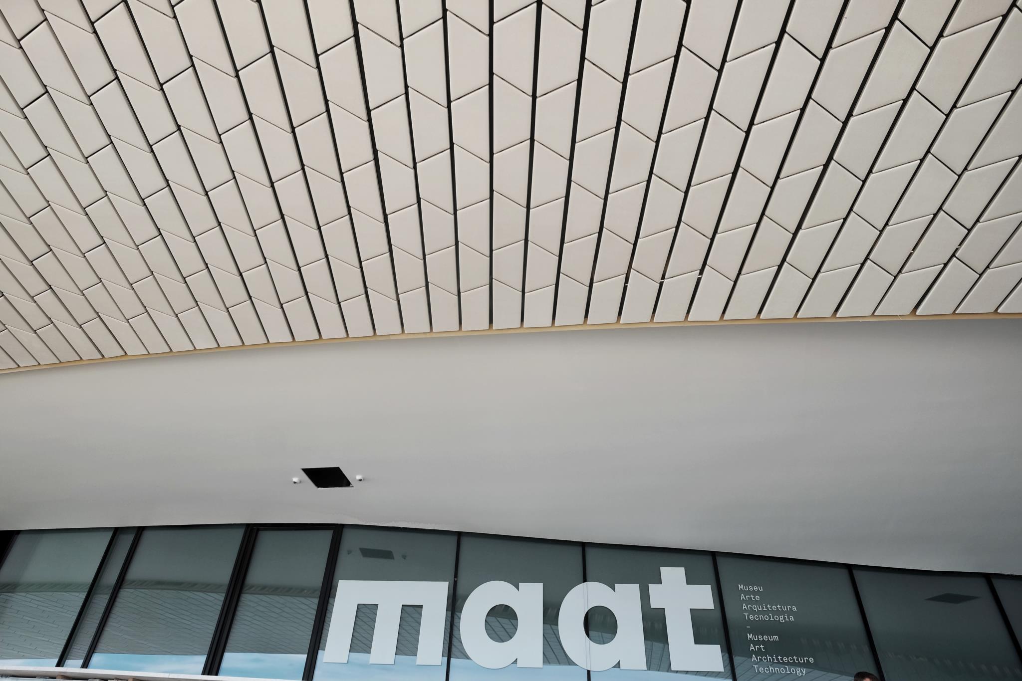 PÚBLICO - MAAT abre galerias em Março, mas ponte pedonal deverá chegar com atraso