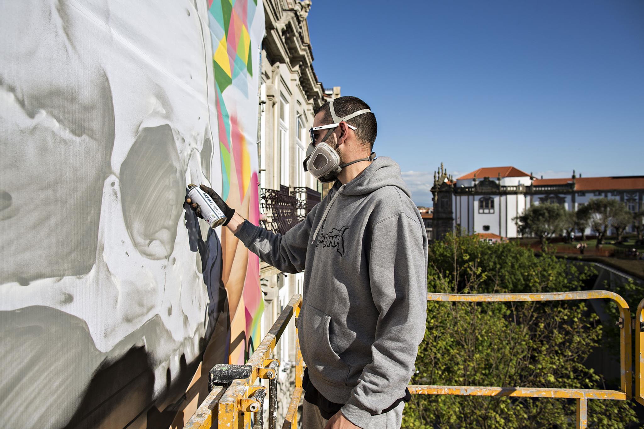 PÚBLICO - Dois graffiters portugueses na ONU