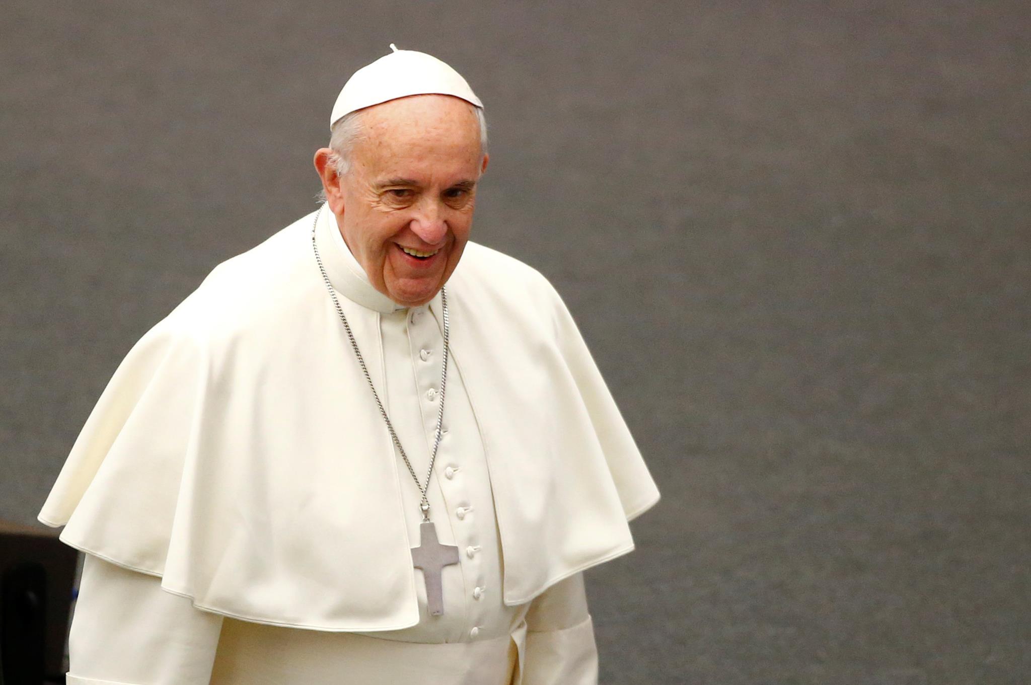 PÚBLICO - Despesas com Papa em Portugal feitas por ajuste directo