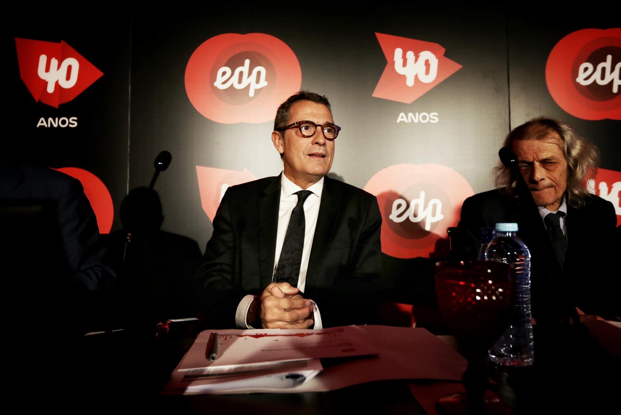 PÚBLICO - EDP contesta em tribunal 120 milhões da taxa extraordinária da energia