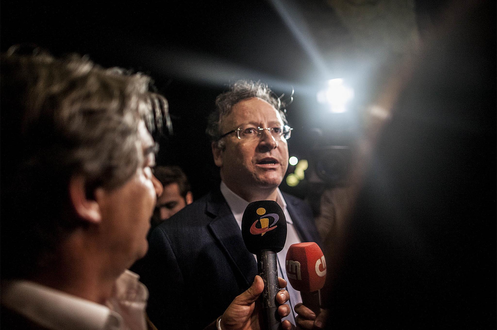 PÚBLICO - Governo não quer nem eleições antecipadas nem moção de confiança