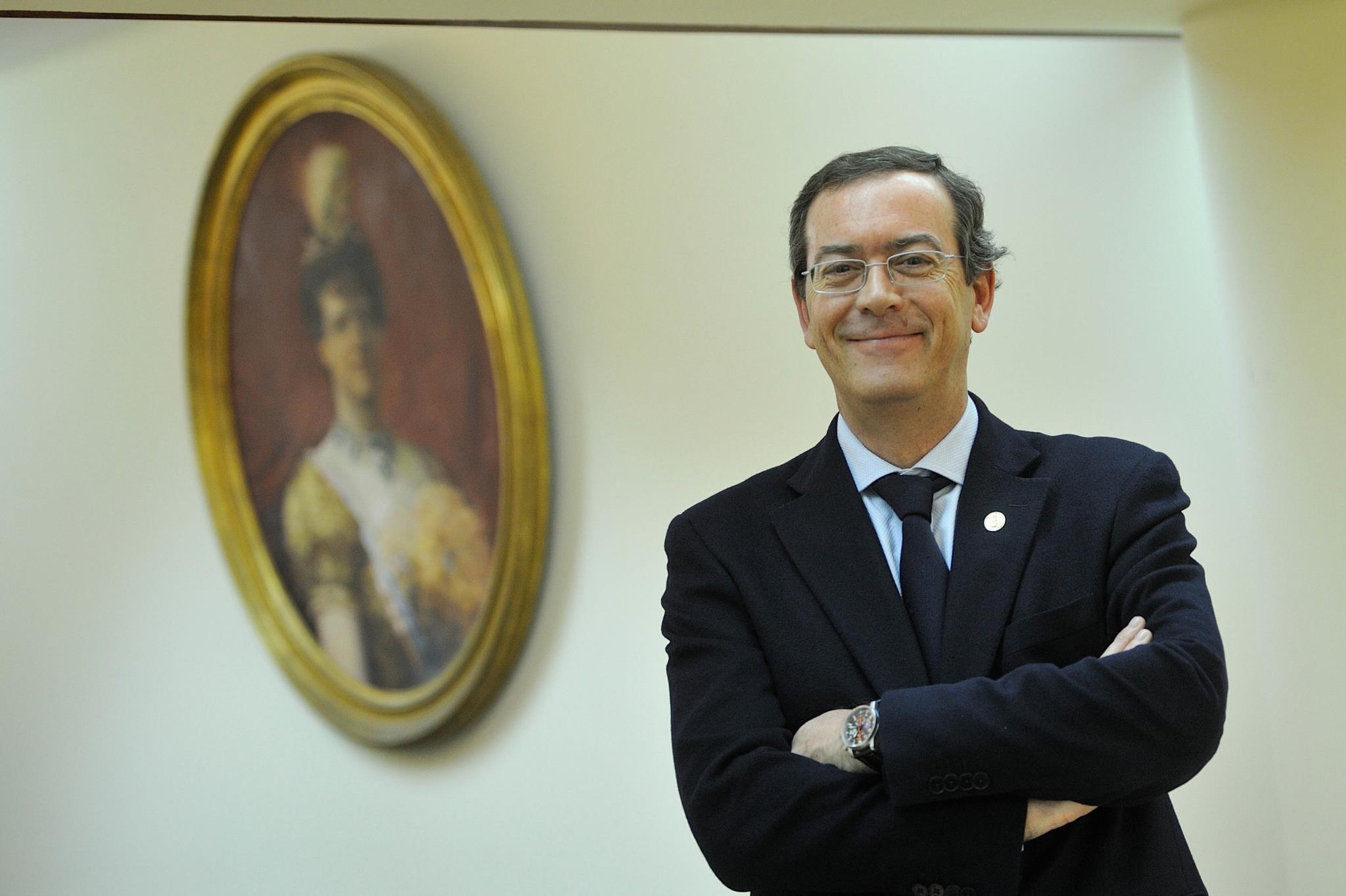 PÚBLICO - Miguel Guimarães é o novo bastonário da Ordem dos Médicos