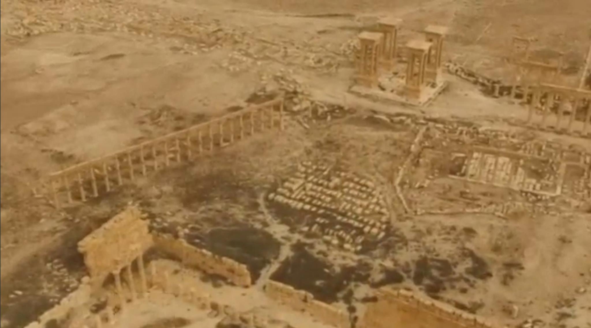Vista aérea de Palmira no final de Março de 2016