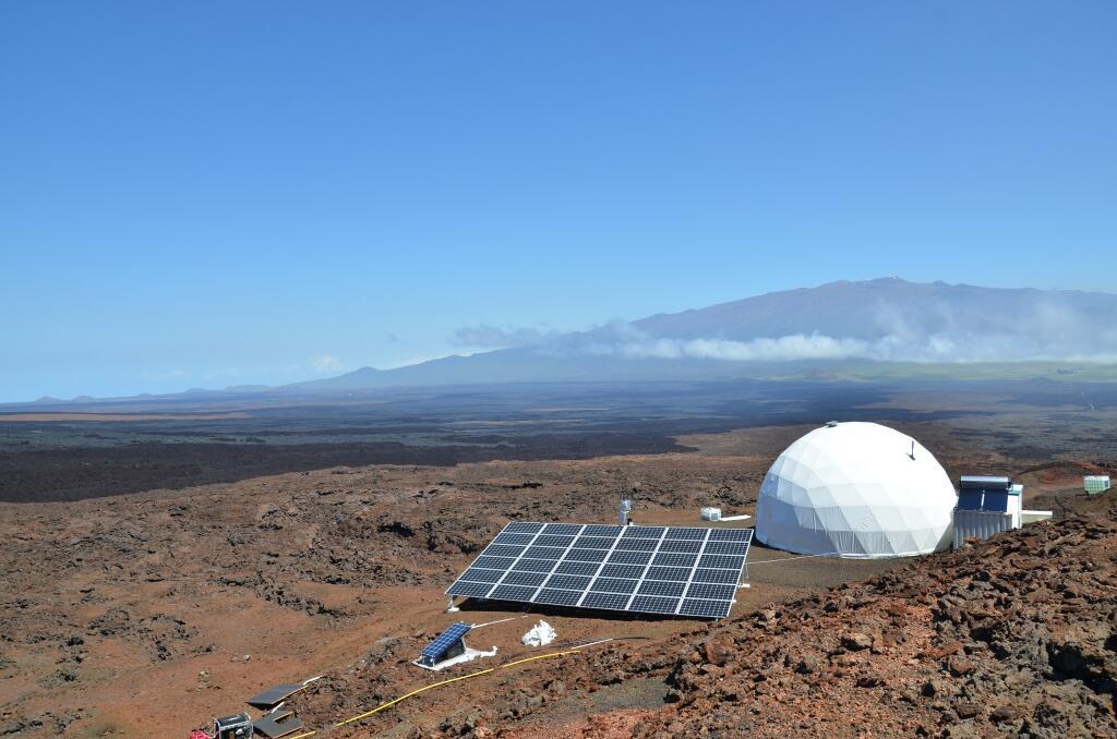 PÚBLICO - Seis cientistas vão viver num vulcão durante oito meses