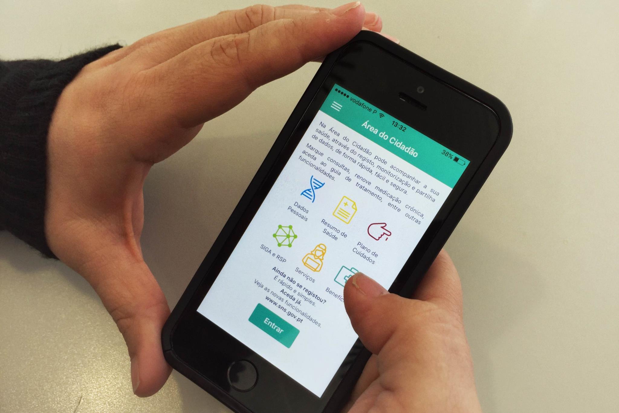 PÚBLICO - Uma <i>app</i> vai permitir que os doentes avaliem os hospitais do SNS