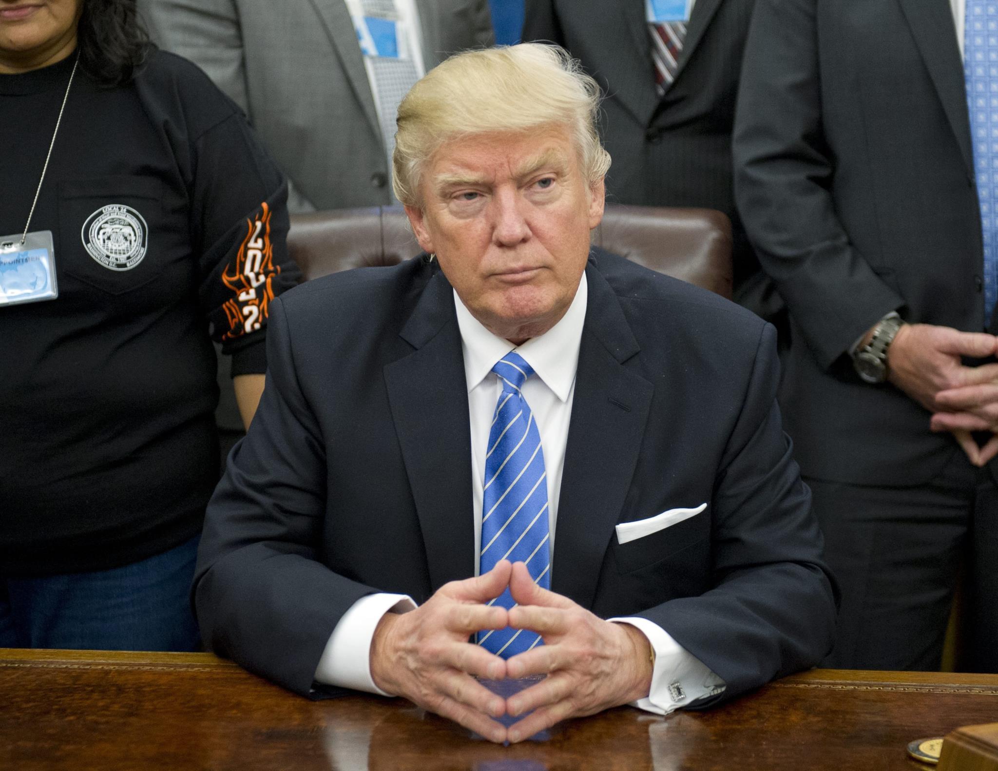 Vários especialistas já desmentiram a hipótese de fraude, mas o Presidente norte-americano não desiste