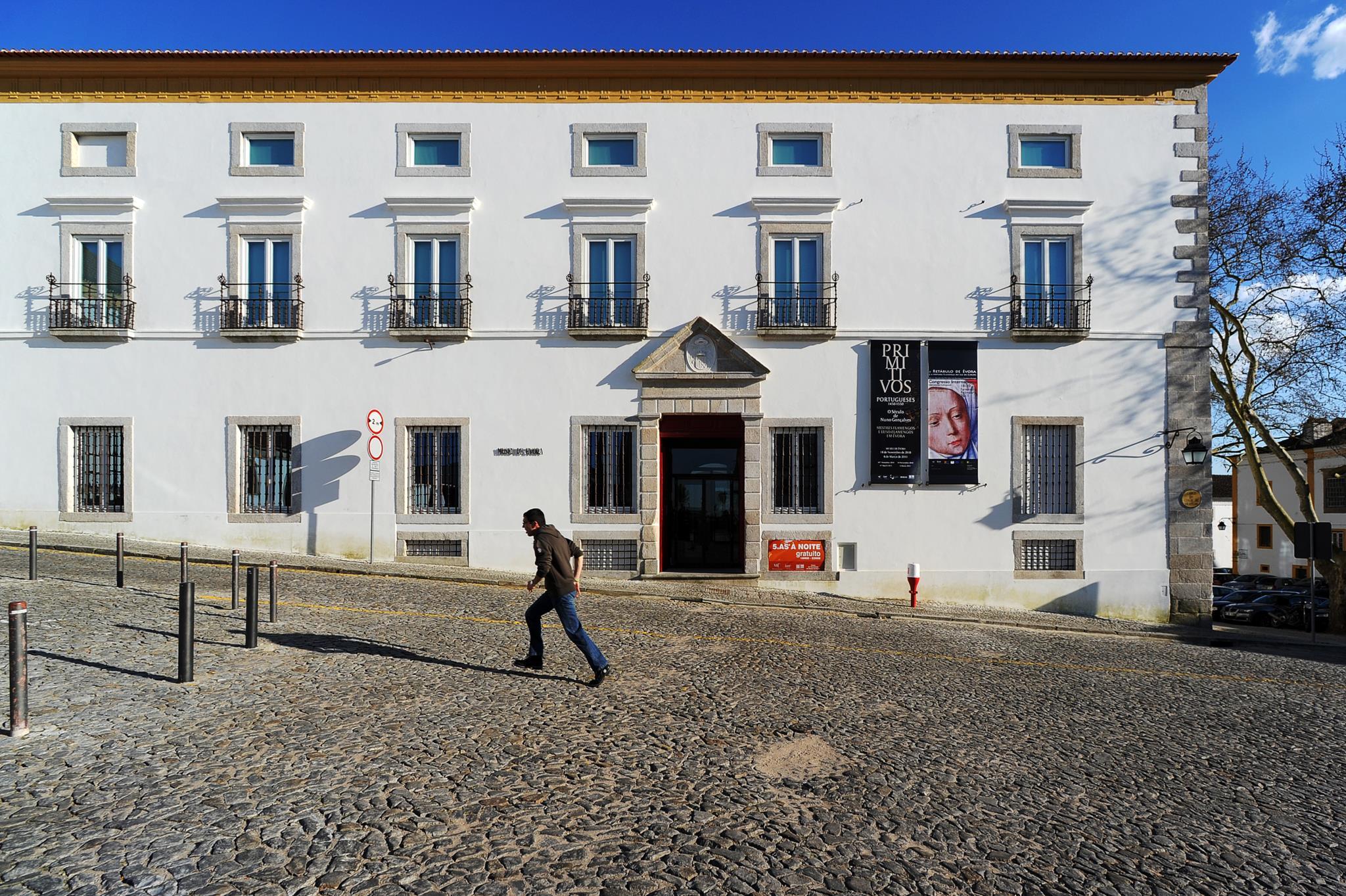 """PÚBLICO - Museu de Évora vai passar a ser nacional e isso é """"da mais elementar justiça"""""""