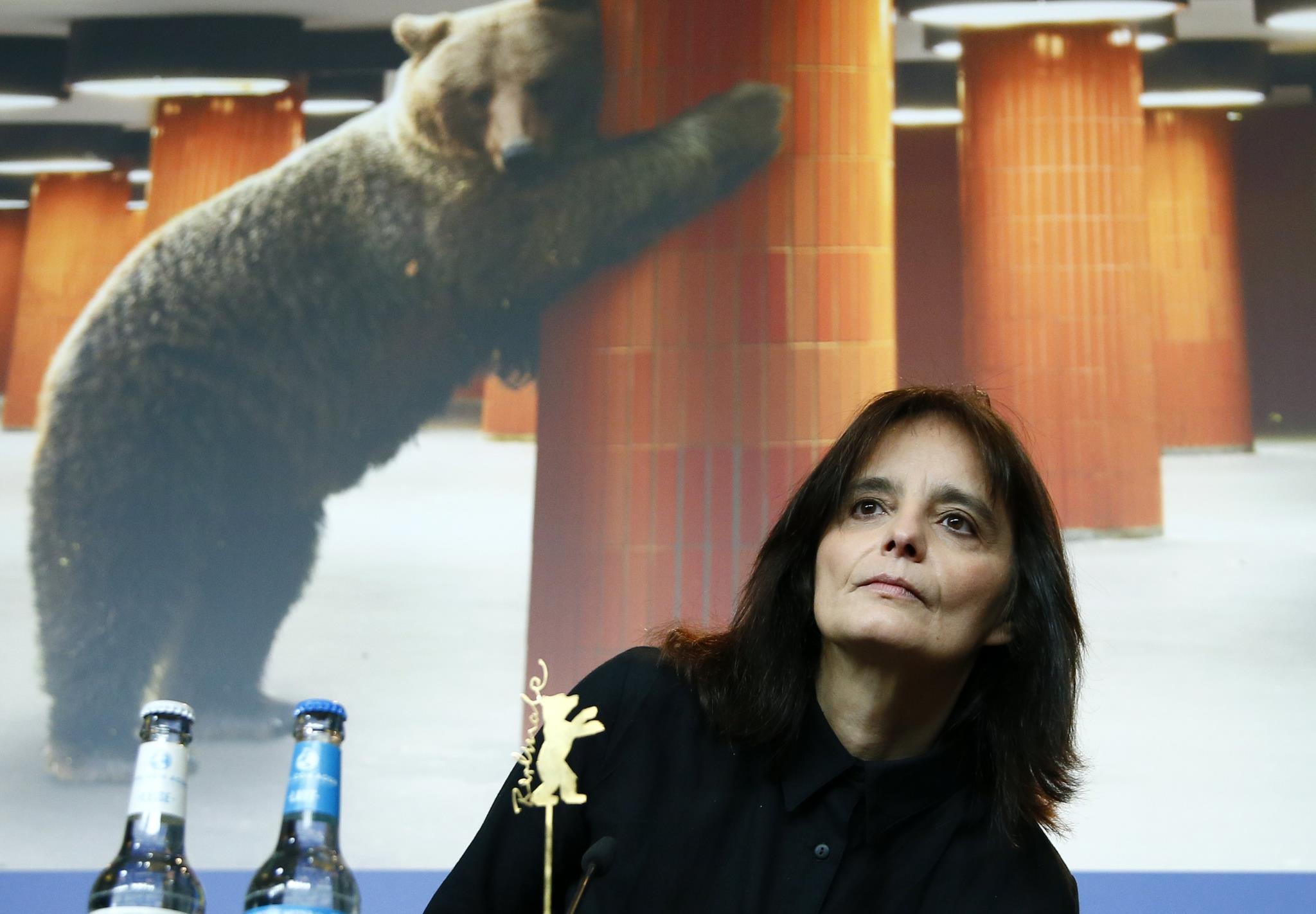 """PÚBLICO - Teresa Villaverde: """"É difícil falar de <i>Colo</i> sem falar de política"""""""