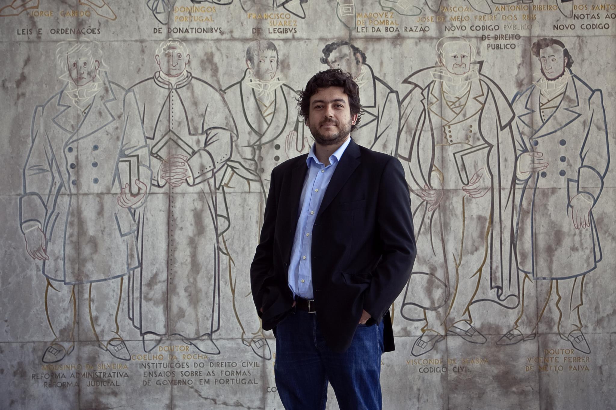 PÚBLICO - Partidos ajustam lei eleitoral autárquica ao novo mapa judicial