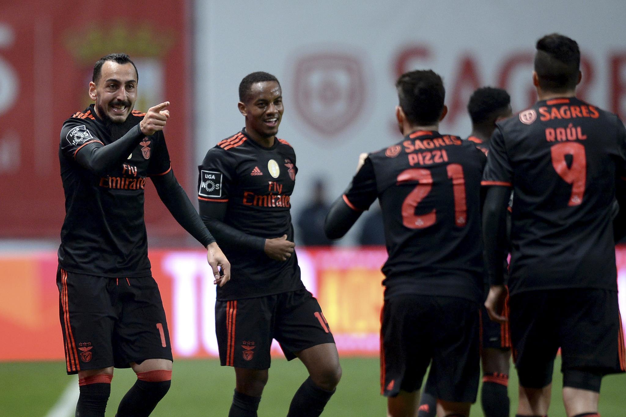 PÚBLICO - Mitroglou desencantou três pontos para o Benfica em Braga