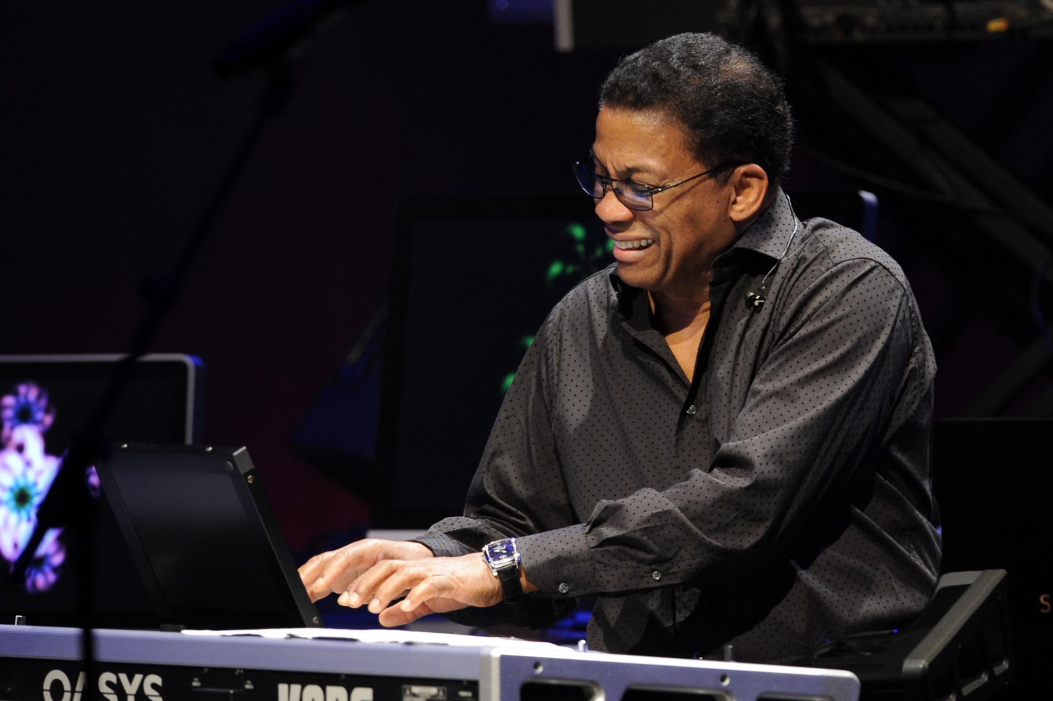 PÚBLICO - Herbie Hancock vem tocar ao festival Mimo