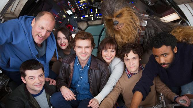PÚBLICO - O jovem Han Solo já tem equipa e mostra-se pela primeira vez