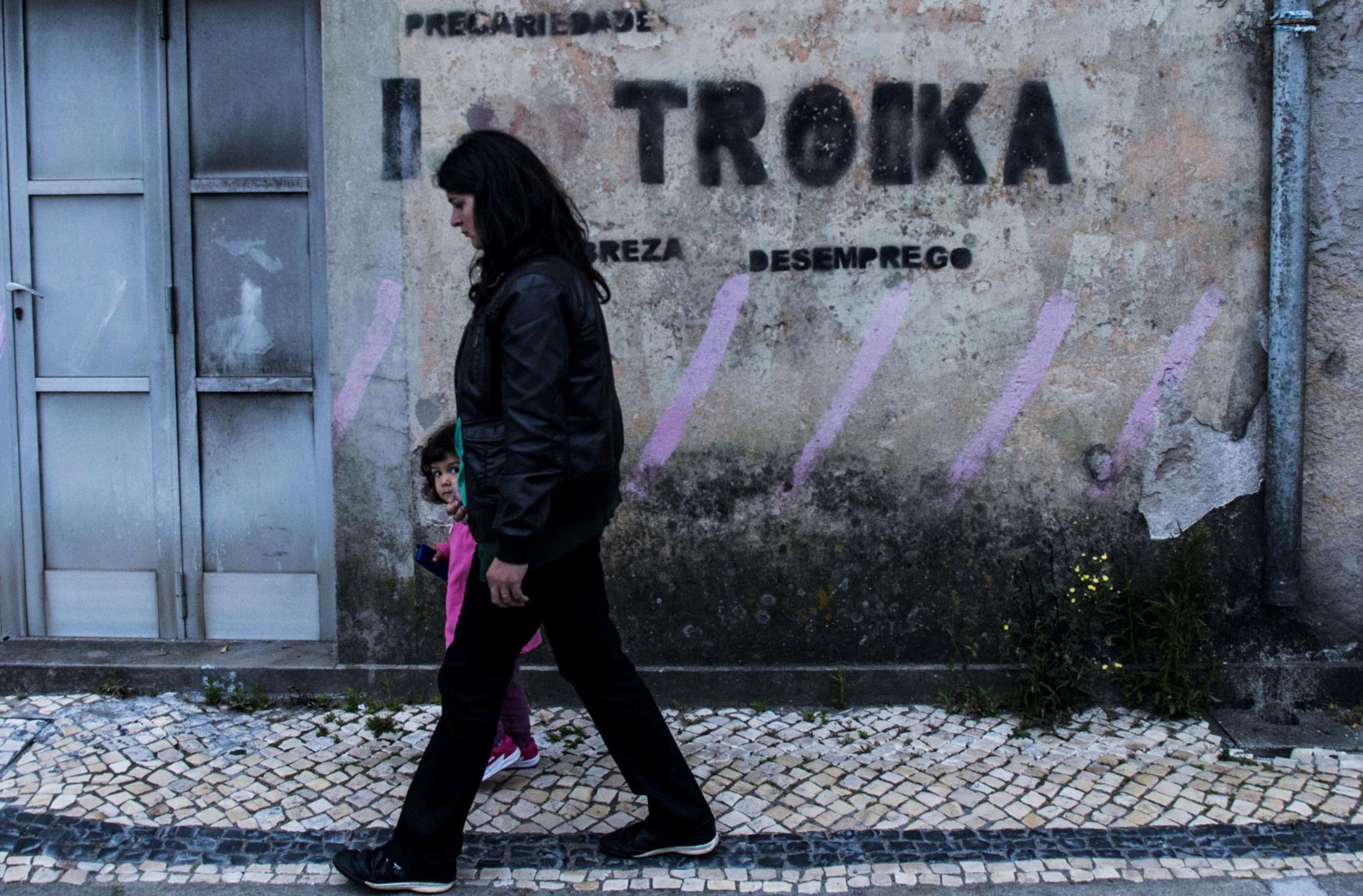PÚBLICO - Instituto alemão DIW diz que austeridade amplificou crise em Portugal