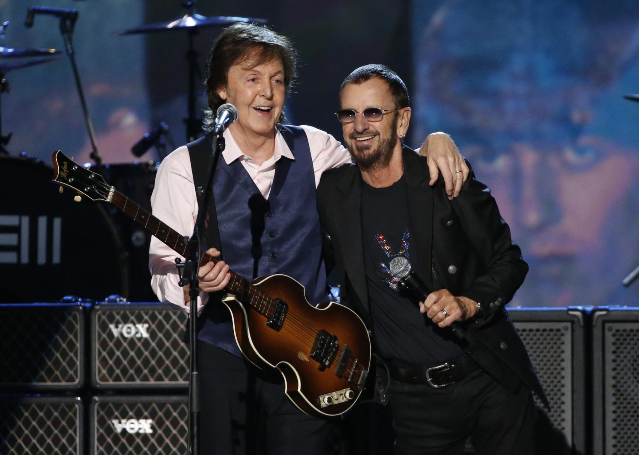 PÚBLICO - Ringo e McCartney novamente reunidos em estúdio
