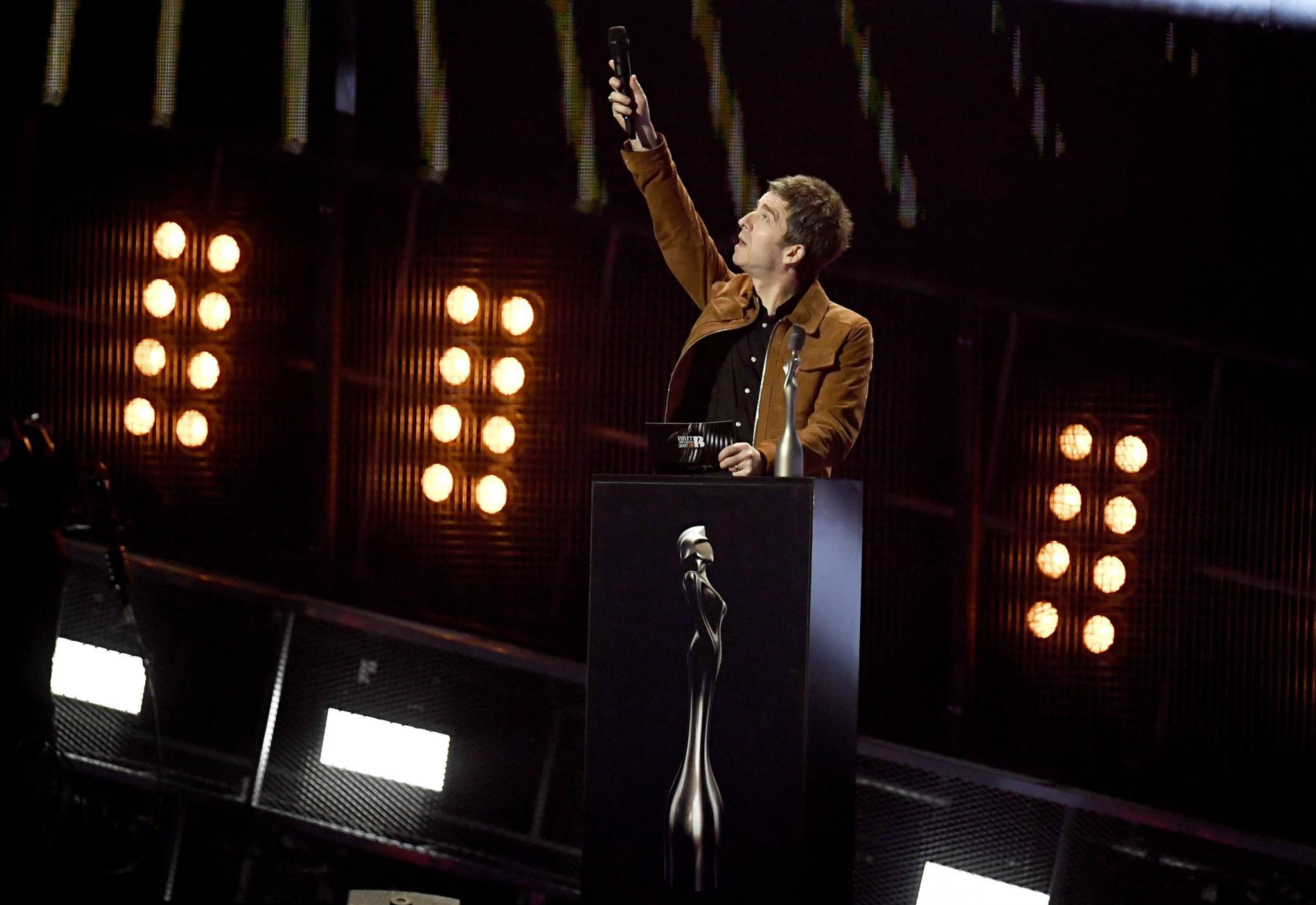 PÚBLICO - David Bowie vence dois Brit Awards