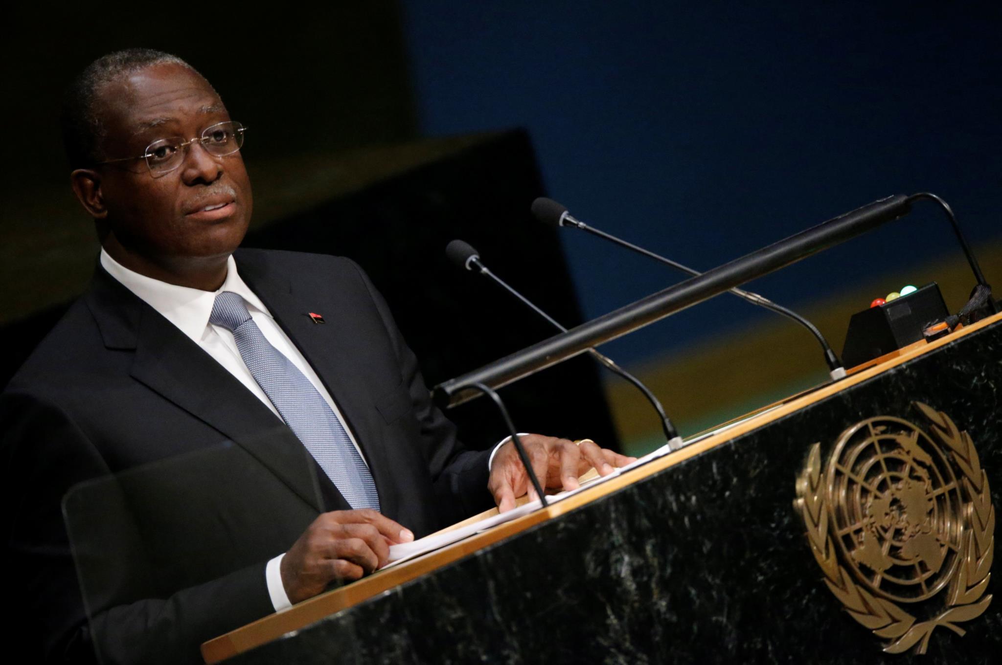 """PÚBLICO - Angola diz que acusação a vice-presidente pode """"perturbar relações"""" com Portugal"""